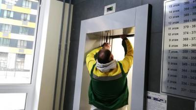 Почти 2,8 тыс. заявок по эксплуатации лифтов исполнили в Подмосковье с начала года