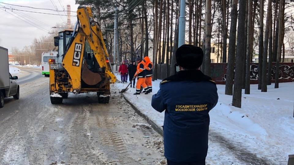 Почти 4 тыс. нарушений несвоевременной уборки снега устранили в Подмосковье