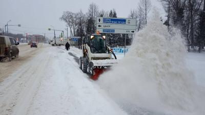 Порядка 3 тыс. единиц спецтехники ликвидируют последствия снегопада в Подмосковье
