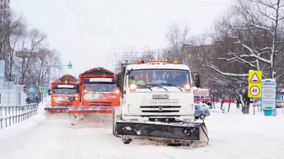 Рекордное число техники мобилизовали для для устранения последствий снегопада в регионе