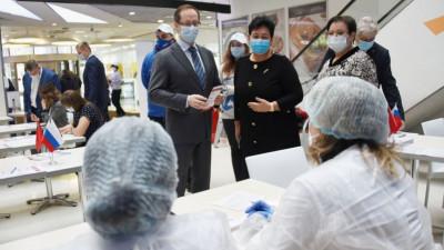 Роман Терюшков посетил пункт вакцинации от коронавируса в Люберцах