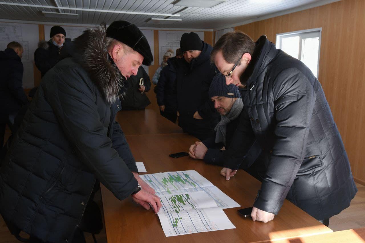 Роман Терюшков проинспектировал ход строительства школы в Раменском
