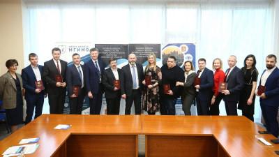 Специалистам в сфере ЖКХ вручили дипломы в Доме правительства Московской области