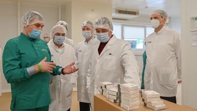 Андрей Воробьев поздравил сотрудниц фармацевтического завода в городском округе Серпухов