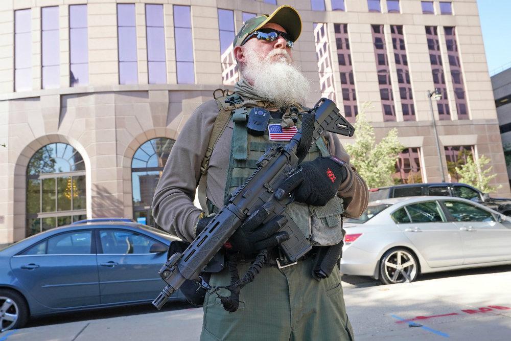 байден призвал конгресс ограничить свободную продажу оружия