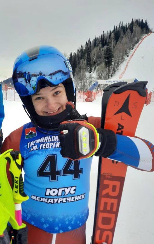 Юные горнолыжники из Подмосковья завоевали 6 медалей на всероссийских соревнованиях
