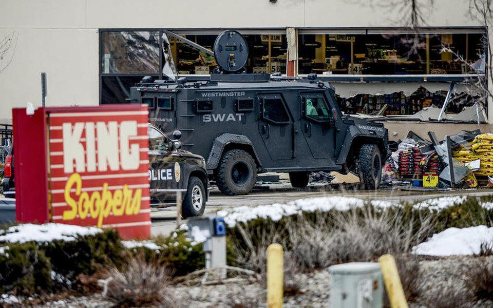 расстрел посетителей супермаркета в колорадо