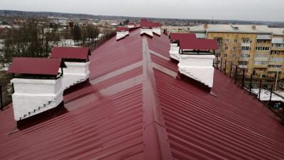 Более 1 тыс. крыш многоквартирных домов Московской области отремонтируют в текущем году