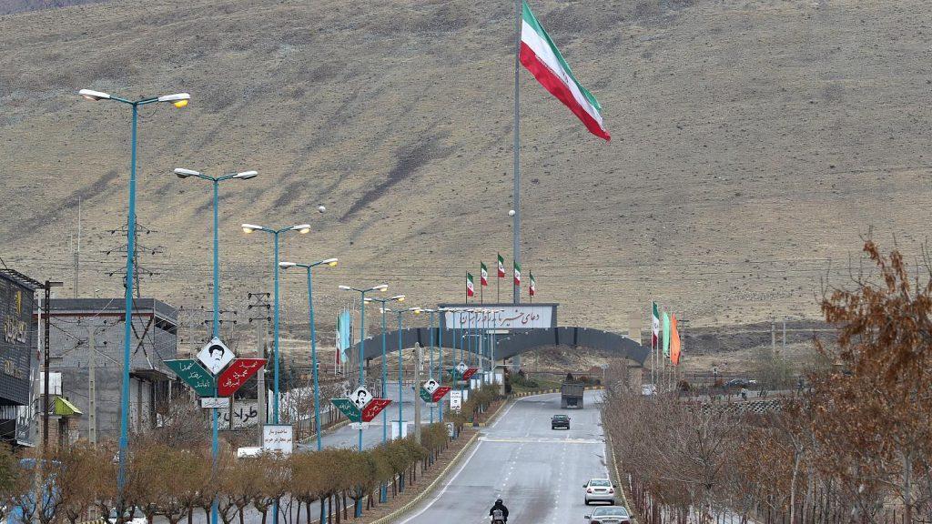 иран обогащает уран одной ядерной страной на планете стало больше
