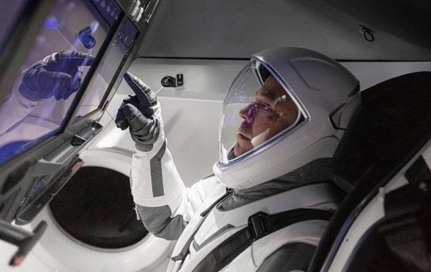 Корабль SpaceX стартует с астронавтами на МКС