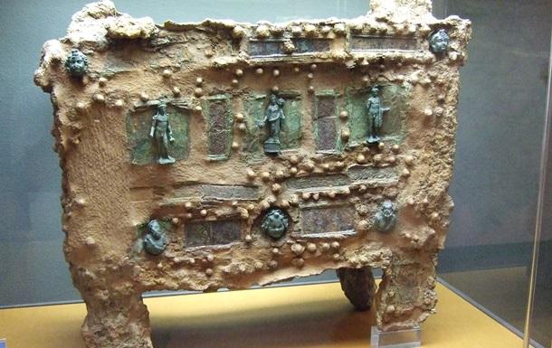 Найден древний сейф с уникальными украшениями
