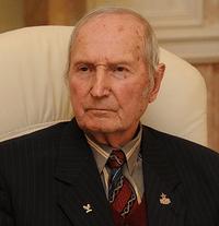 Не стало олимпийского чемпиона по хоккею 1956 года Виктора Шувалова