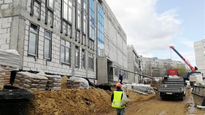 Школа со стадионом во Фрязине построена почти на 50%