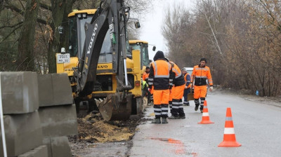 Тротуар строят на Михневском шоссе в Люберцах
