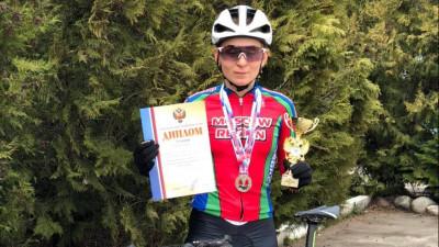 Велогонщица из Подмосковья завоевала серебро на чемпионате России