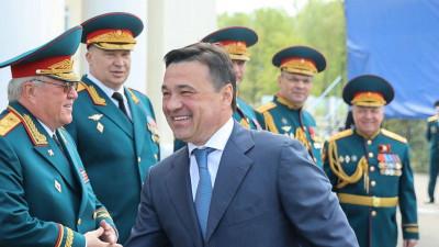 Андрей Воробьев поздравил военнослужащих 4 полка дивизии Дзержинского с праздником