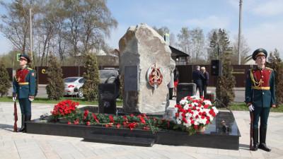 Цветы к памятнику стражам правопорядка возложили в городском округе Солнечногорск