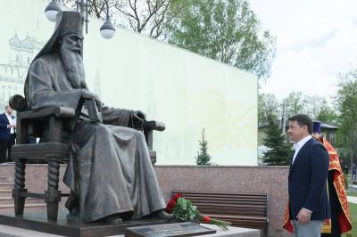 Губернатор принял участие в открытии памятника в Волоколамске