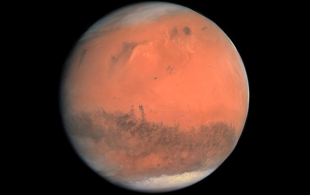 Китайский космический аппарат совершил посадку на Марс