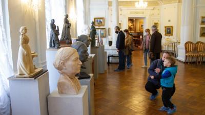 Памятник Анне Мараевой откроют в Серпухове 18 мая