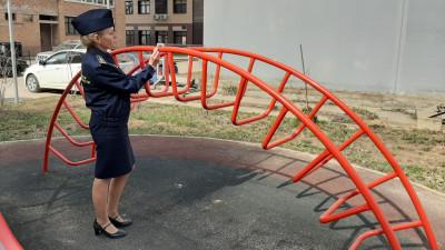Свыше 300 нарушений в содержании детских площадок устранили в Подмосковье