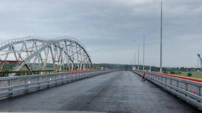 Укладку асфальтобетонного покрытия на Афанасьевском мостовом переходе выполнили на 80%