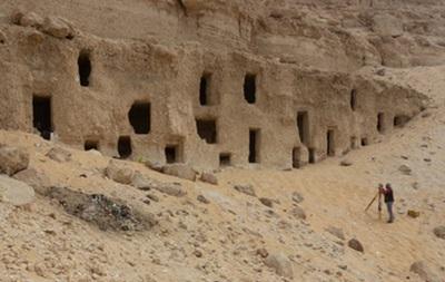 В Египте обнаружили 300 гробниц времен Древнего царства