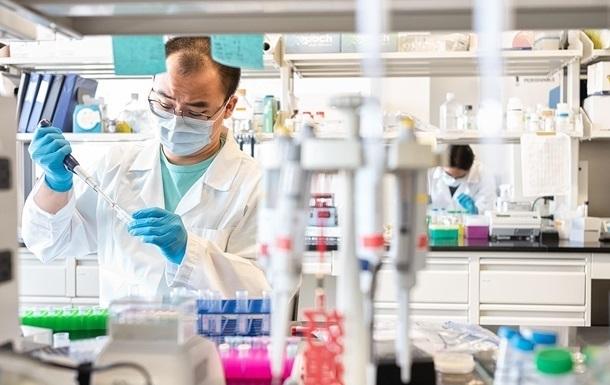 В НАН Украины обещают COVID-вакцину до конца года