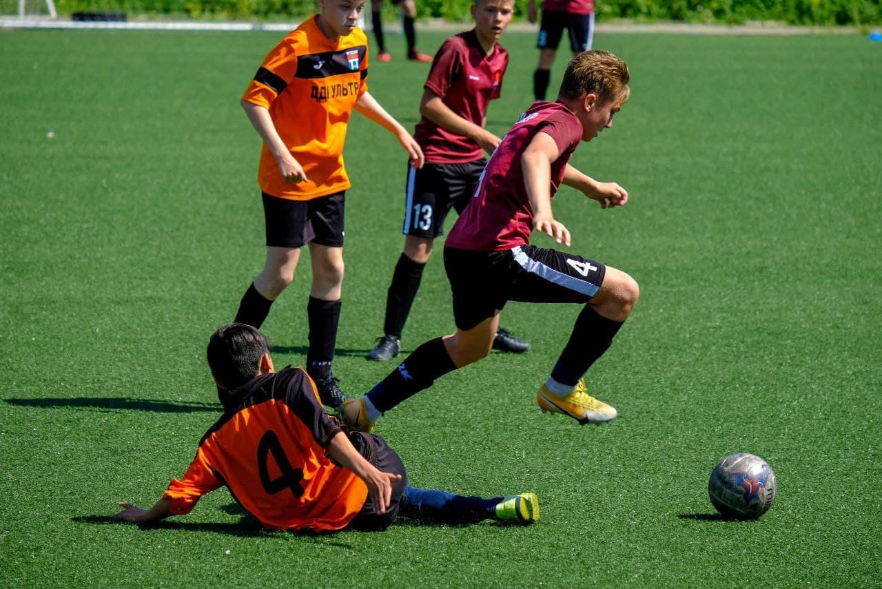 В Подмосковье стартовал футбольный турнир «Кожаный мяч-2021»