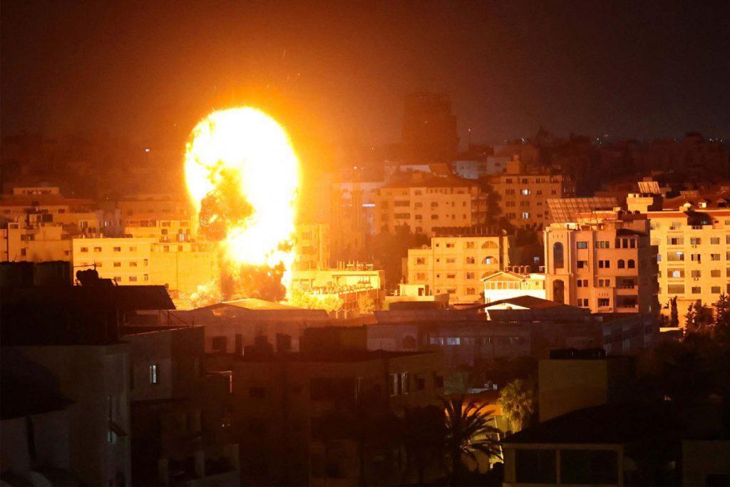 в секторе газа в результате авиаударов погибли больше 40 человек