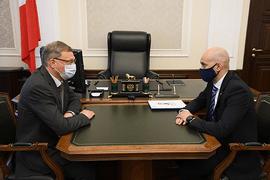 Азат Кадыров посетил с рабочим визитом Омскую область