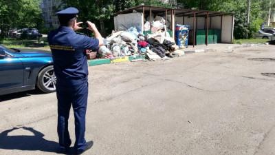 Более 1,3 тыс. нарушений содержания контейнерных площадок пресекли в Подмосковье