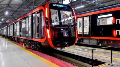Новый поезд в метро