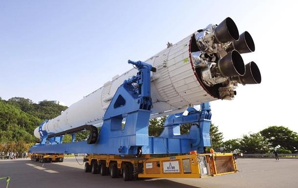 Южная Корея показала свою первую ракету