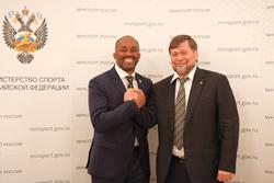 Одес Байсултанов провёл встречу с президентом Международной федерации ММА Керритом Брауном