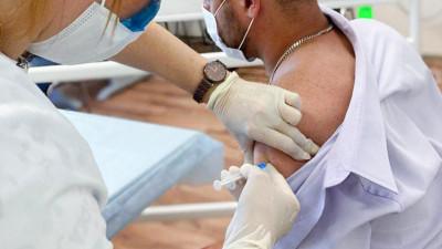 Вакцинацию от Covid-19 прошли сотрудники Министерства физической культуры и спорта региона