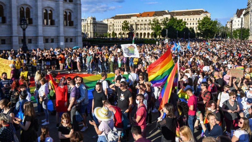 венгрия запретила гомосексуальную пропаганду венгрию начинают шатать