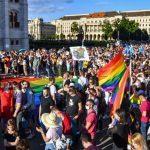 Венгрия запретила гомосексуальную пропаганду, Венгрию начинают шатать