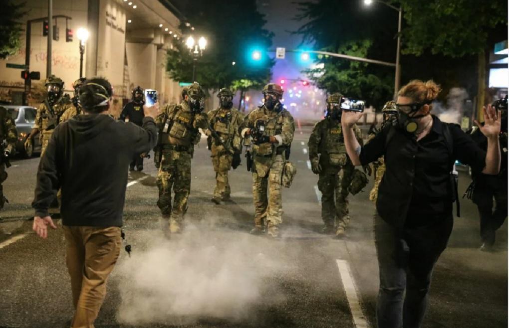 весь спецназ полиции портленда сложил полномочия в поддержку коллеги