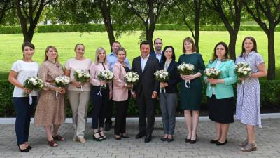 Андрей Воробьев вручил сертификаты на социальную ипотеку 11 медицинским работникам Подмосковья