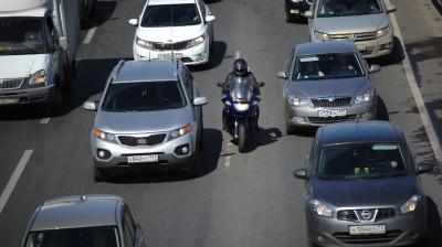 Движение транспорта на шоссе
