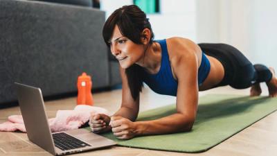 Более 300 тыс. человек присоединились к онлайн-тренировкам «Живу спортом» с 25 марта