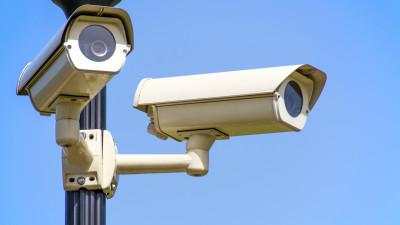Камеры системы «Безопасный регион» зафиксировалиподжог памятника в Можайском округе