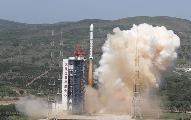Китай вывел на орбиту пять спутников