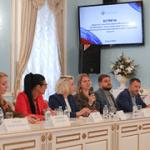 Олег Матыцин обсудил с представителями общественных организаций мероприятия в поддержку российских олимпийцев