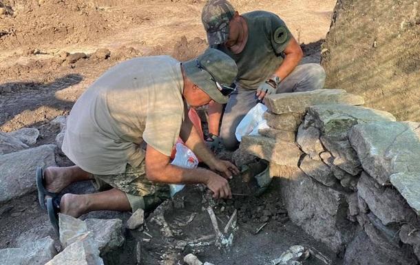 Под Мариуполем нашли захоронения срубной культуры