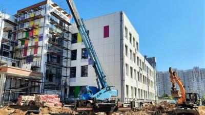 Строительство школы на 1,1 тыс. мест в Подольске вывели на завершающий этап