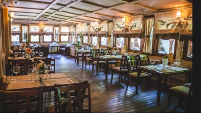 Свыше 800 летних кафе открылись в Московской области с начала сезона