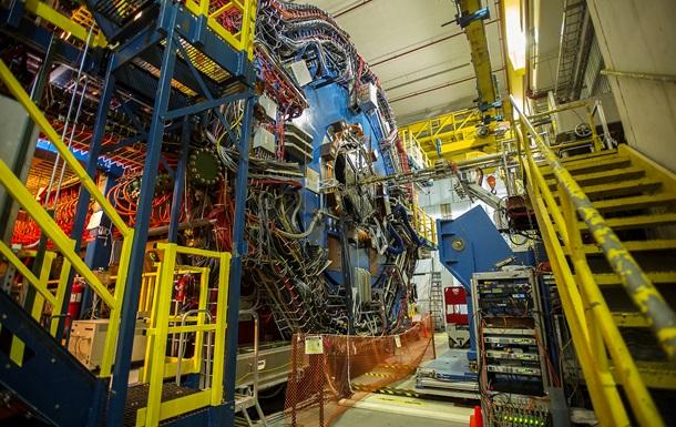 Ученым удалось получить материю из света