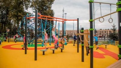 Почти 50 новых детских площадок установили по губернаторской программе в Подмосковье.